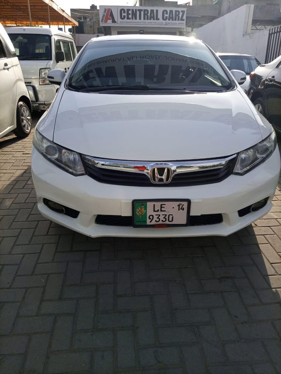 Honda Civic 1.8 i-VTEC Oriel 2013