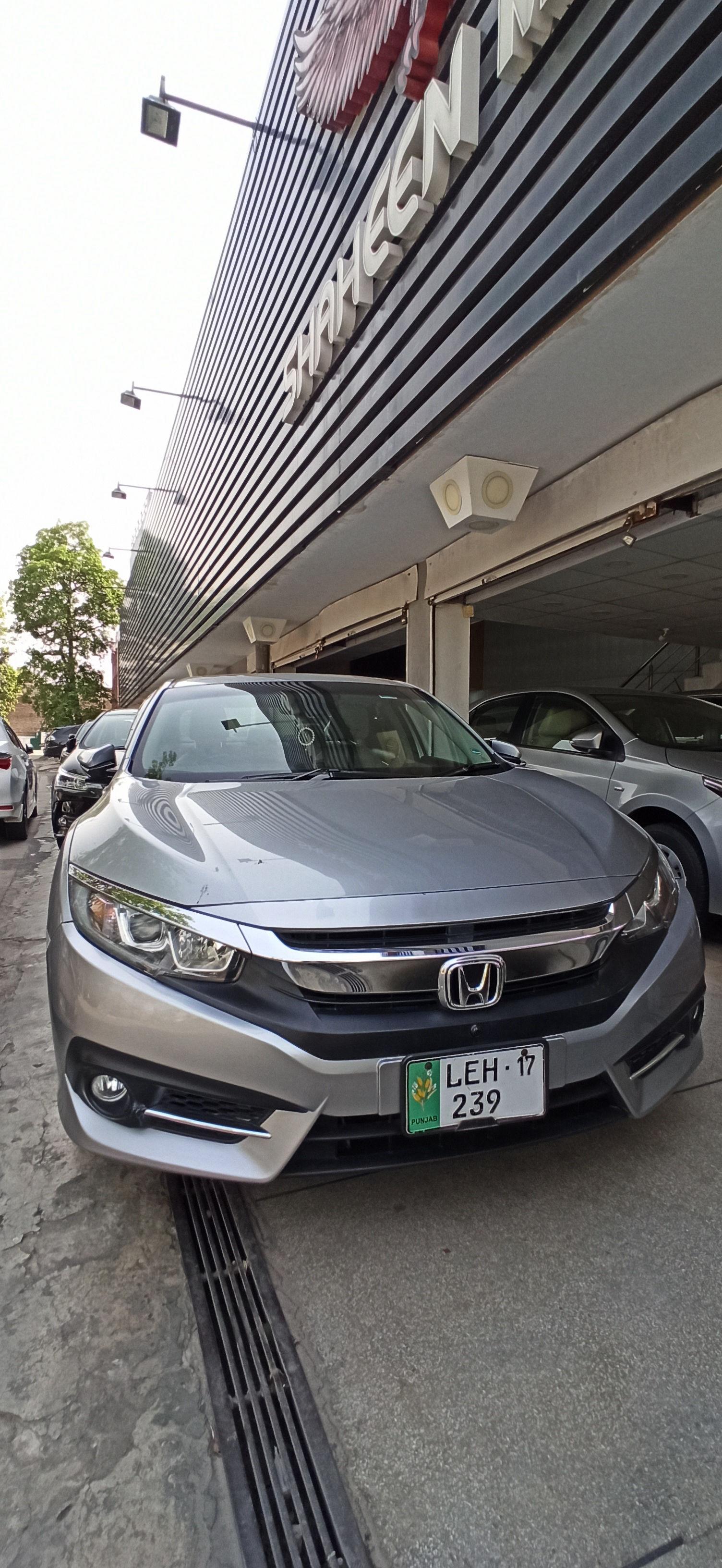 Honda Civic 1.8 i-VTEC Oriel