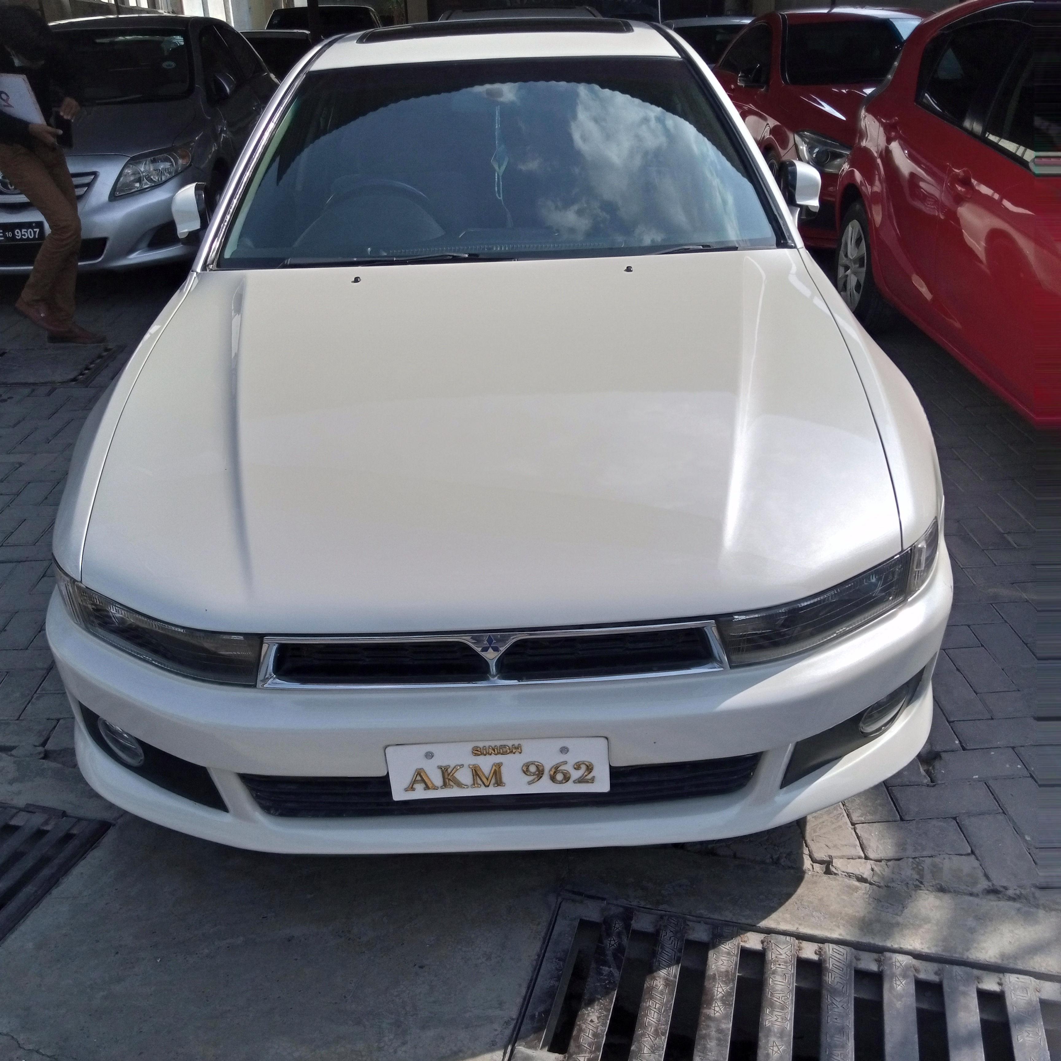 Mitsubishi Galant Basic 2005