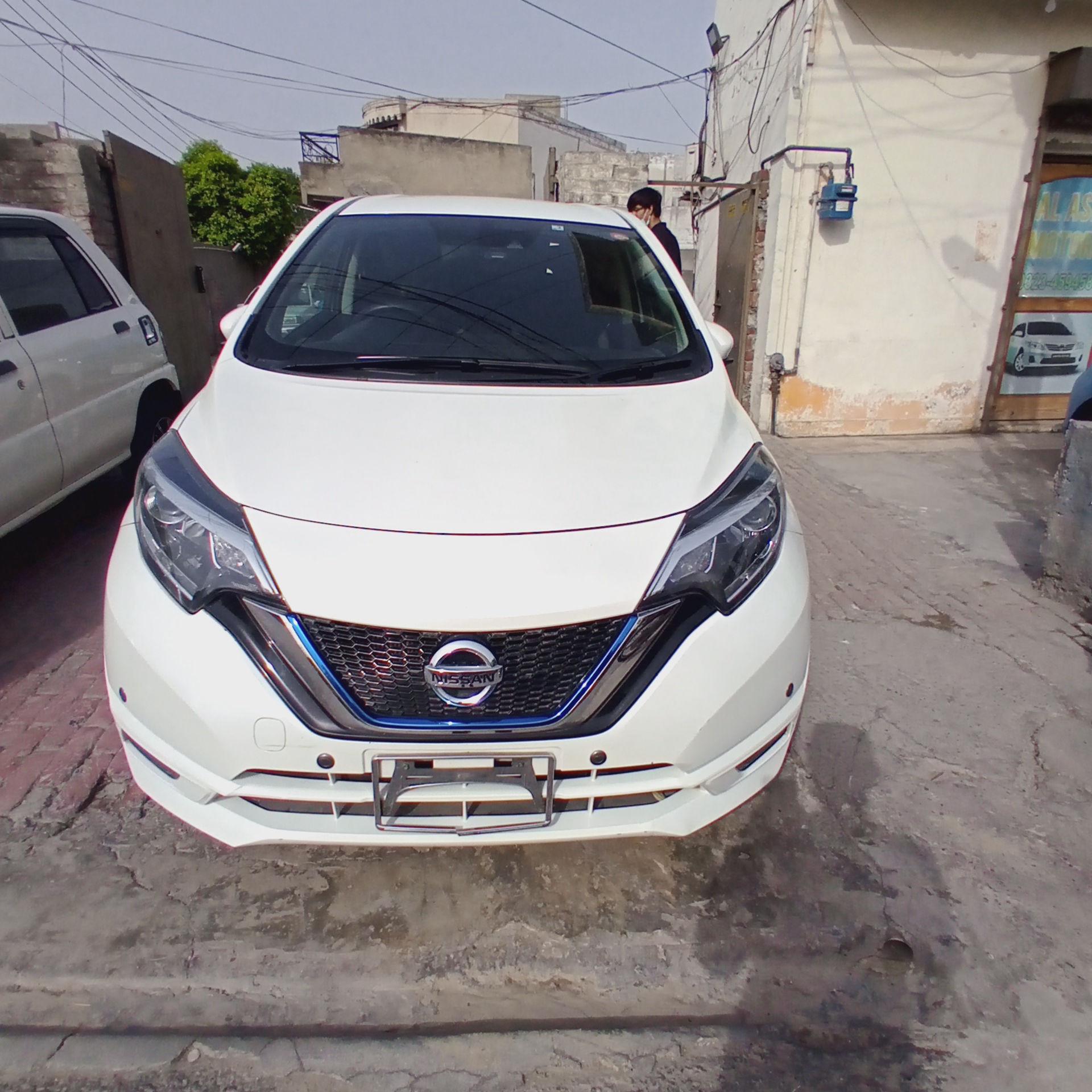 Nissan Note E 2016