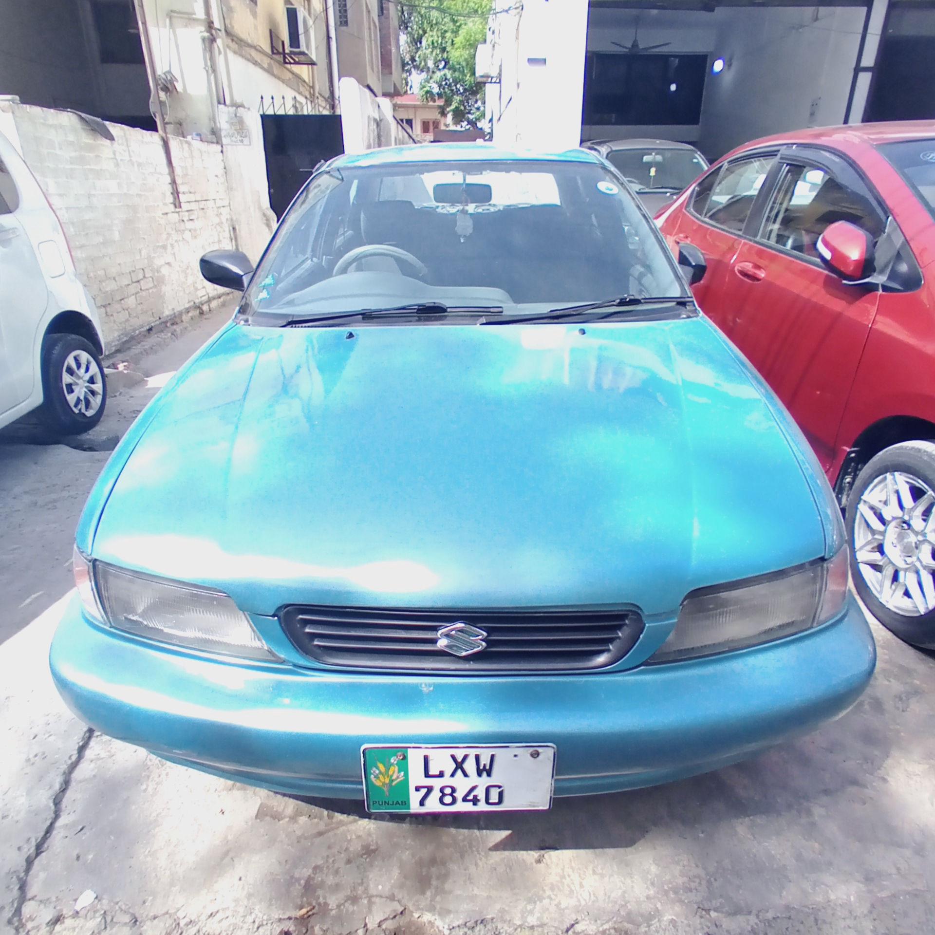 Suzuki Baleno JXL 2001