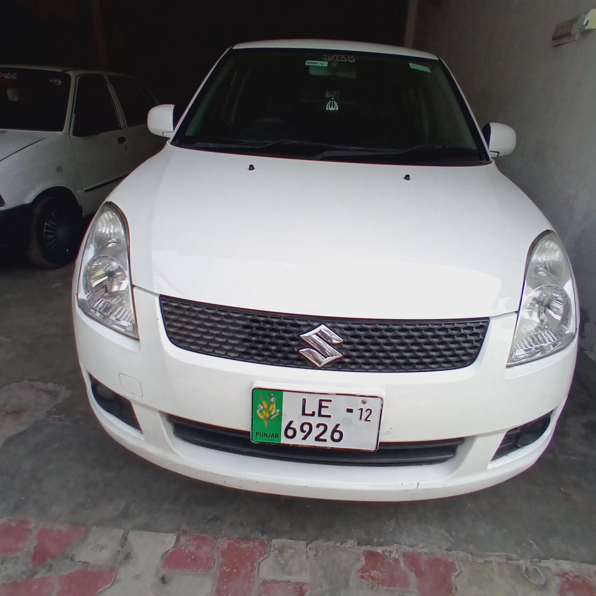 Suzuki Swift 1.3 DLX 2012