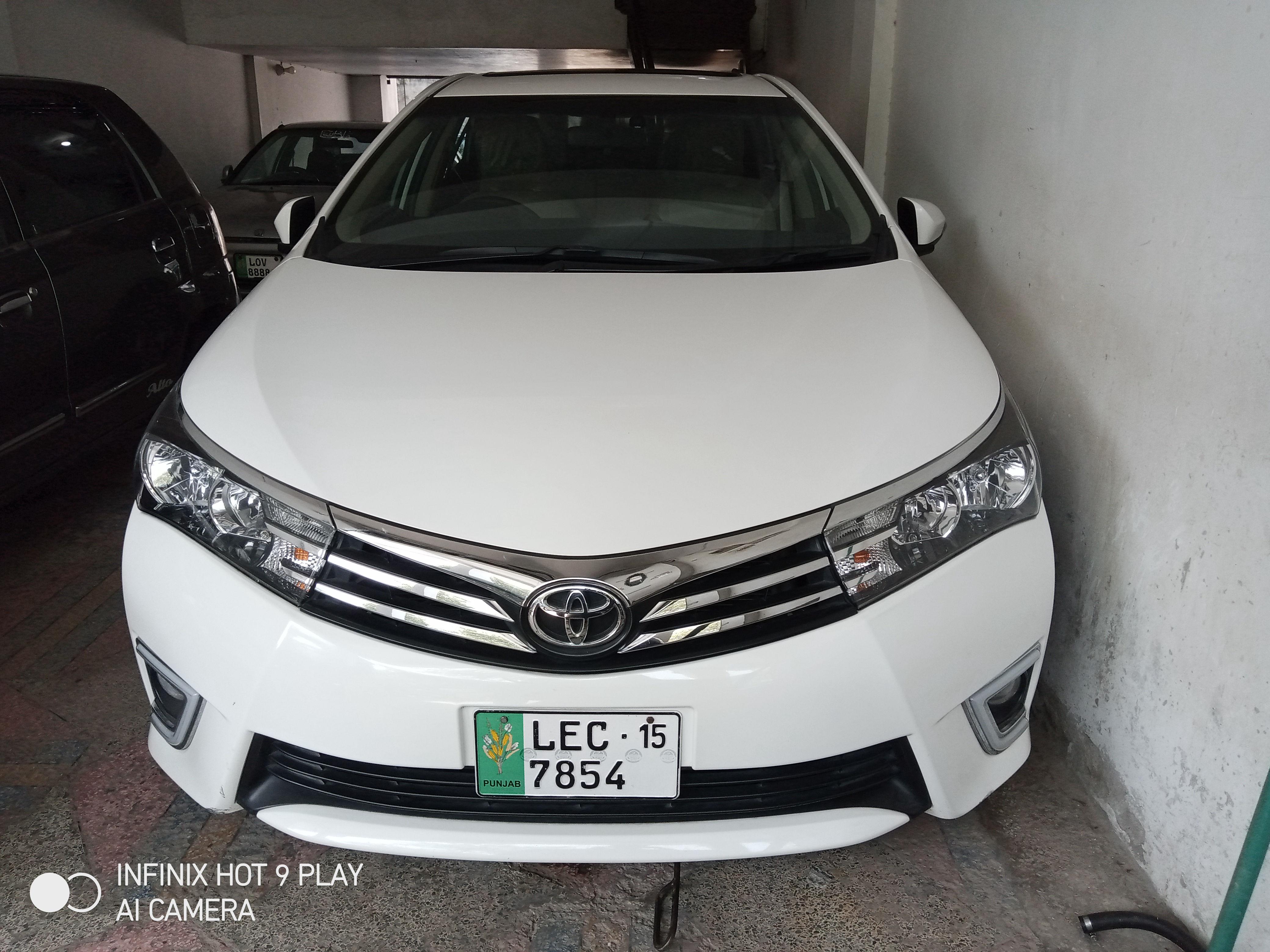Toyota Corolla Altis Grande CVT-i 1.8 2015