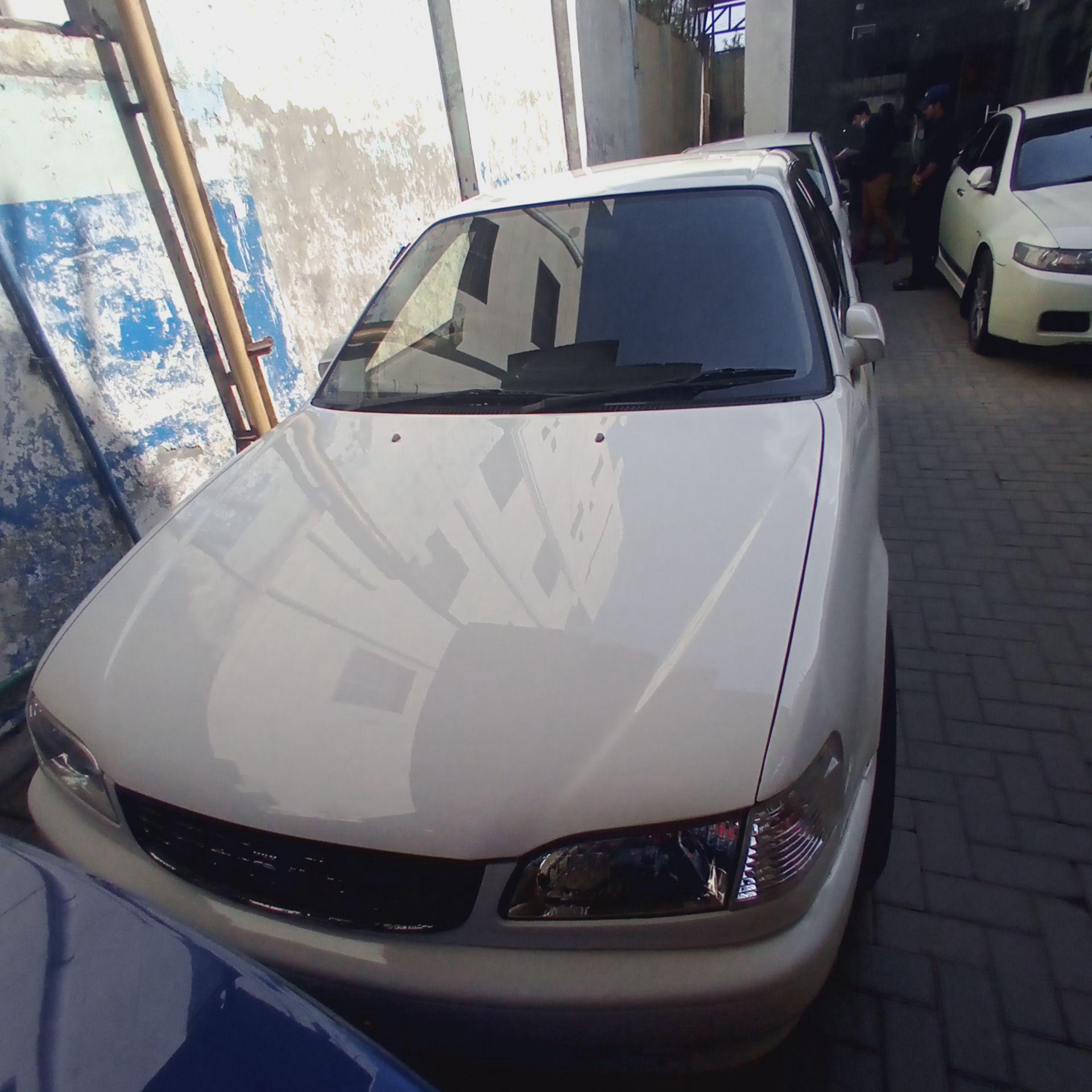 Toyota Corolla SE Saloon Automat 1997