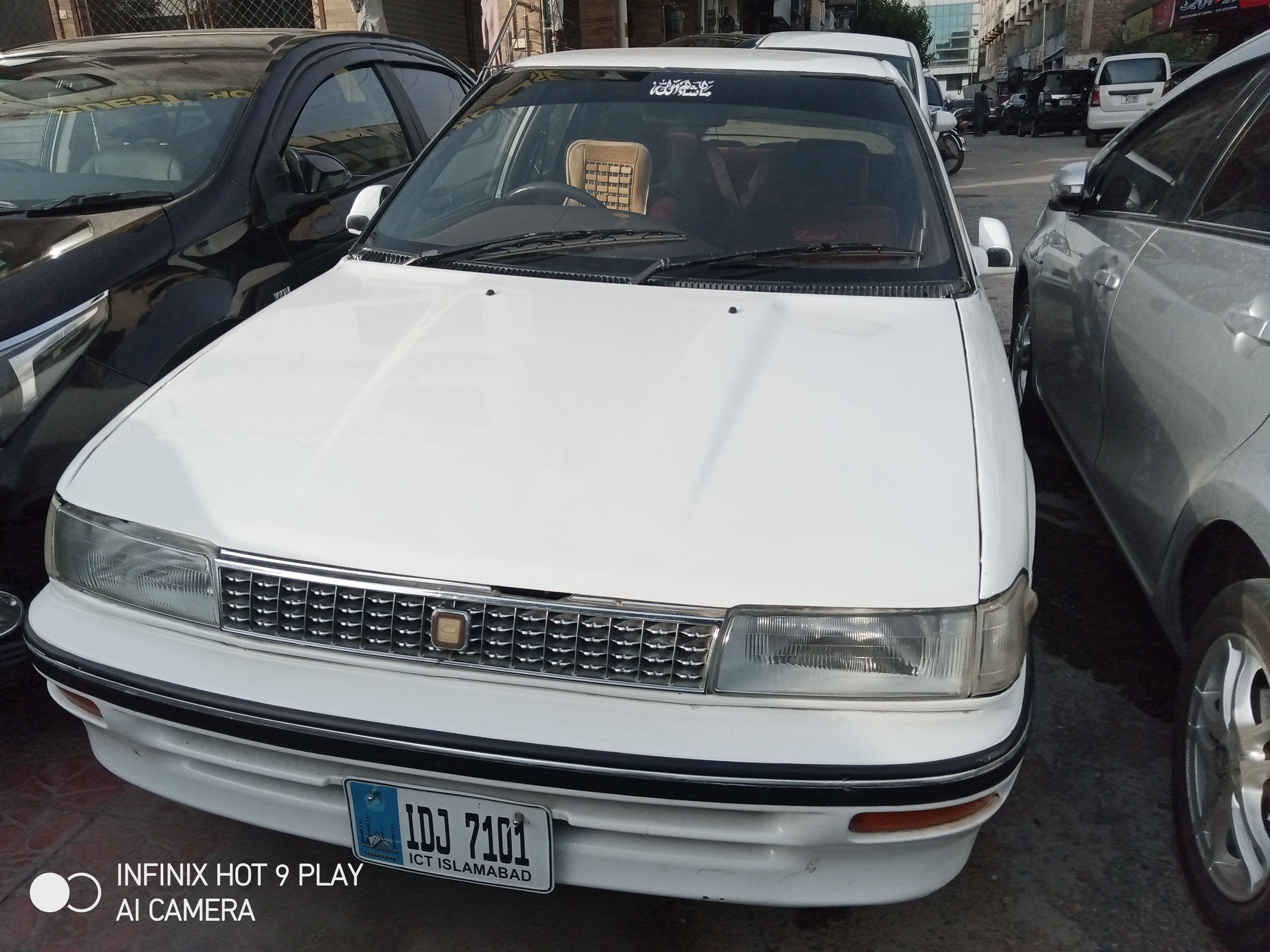 Toyota Corolla SE Saloon Automat 1998