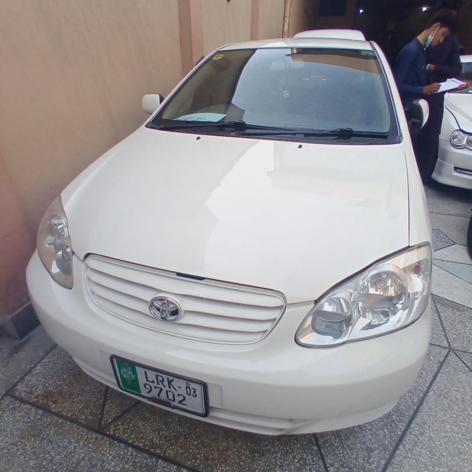 Toyota Corolla SE Saloon Automat 2003