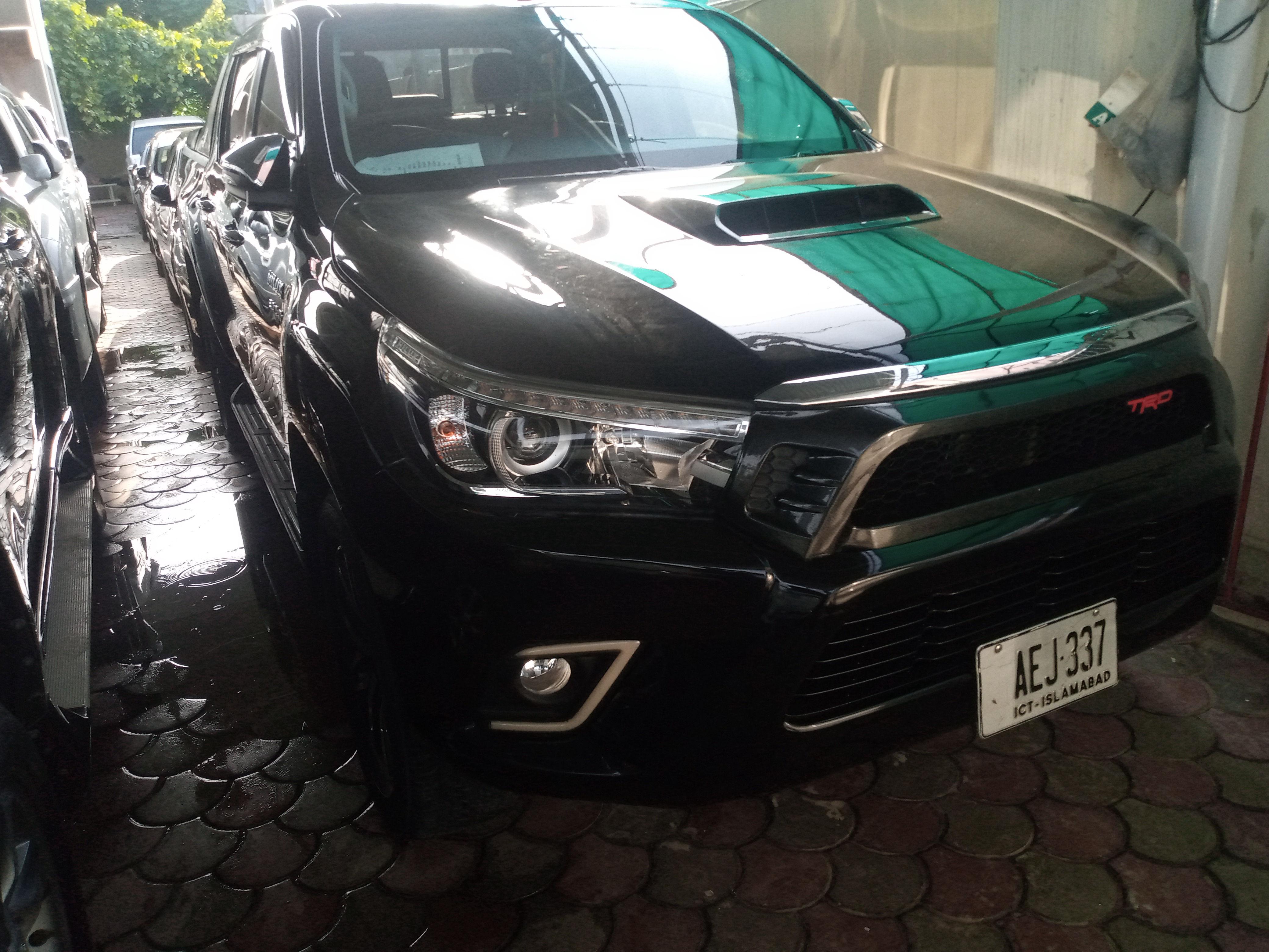 Toyota Hilux Revo V 2.8 2017