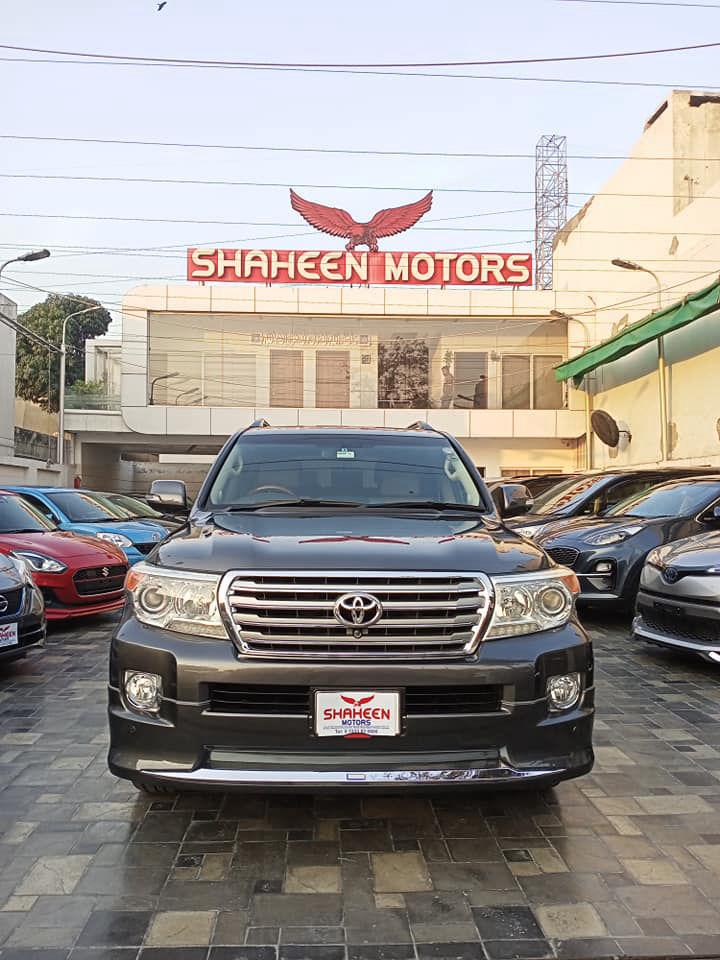 Toyota Land Cruiser AX G Selection 2012