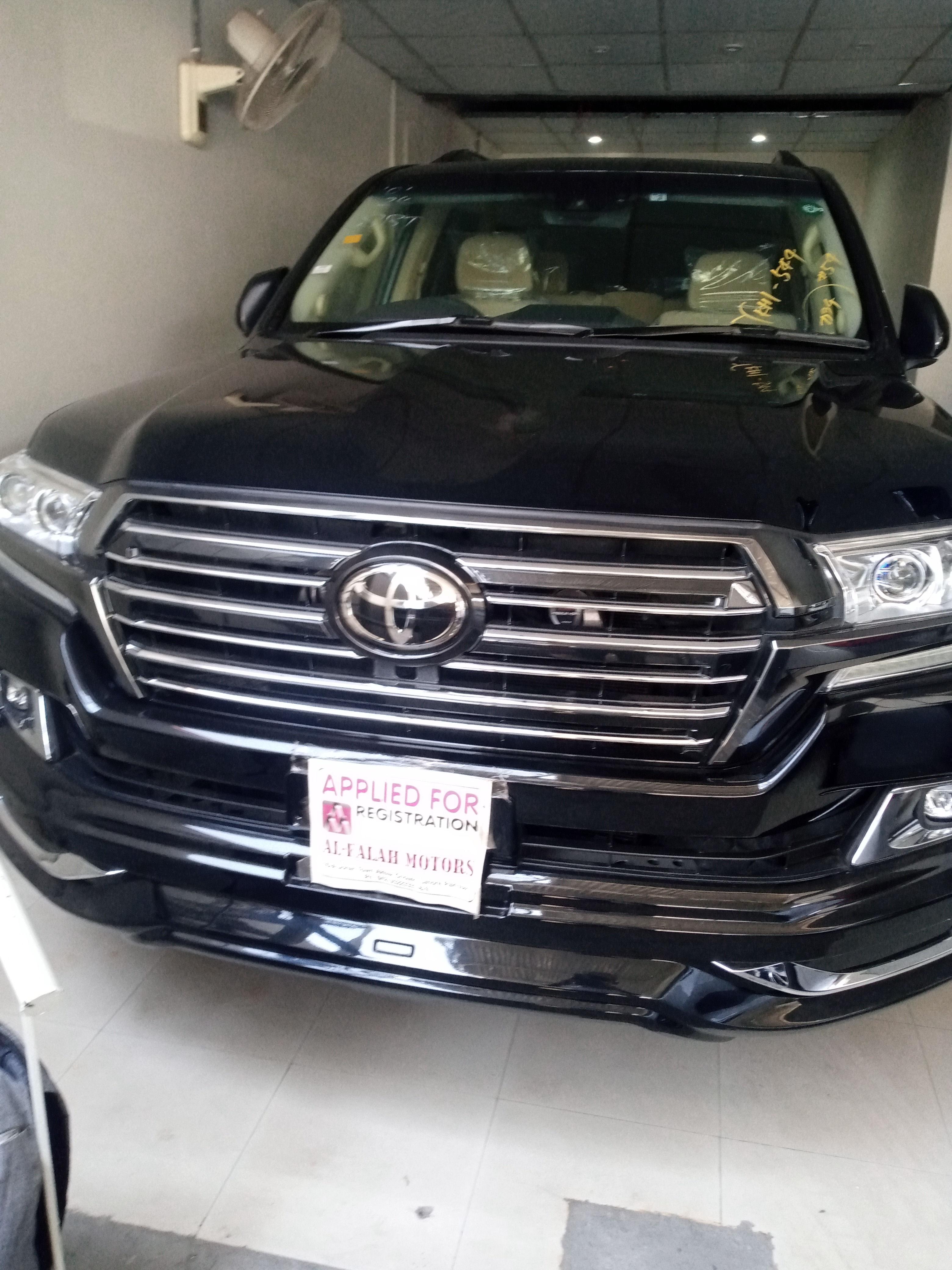 Toyota Land Cruiser AX G Selection 2016