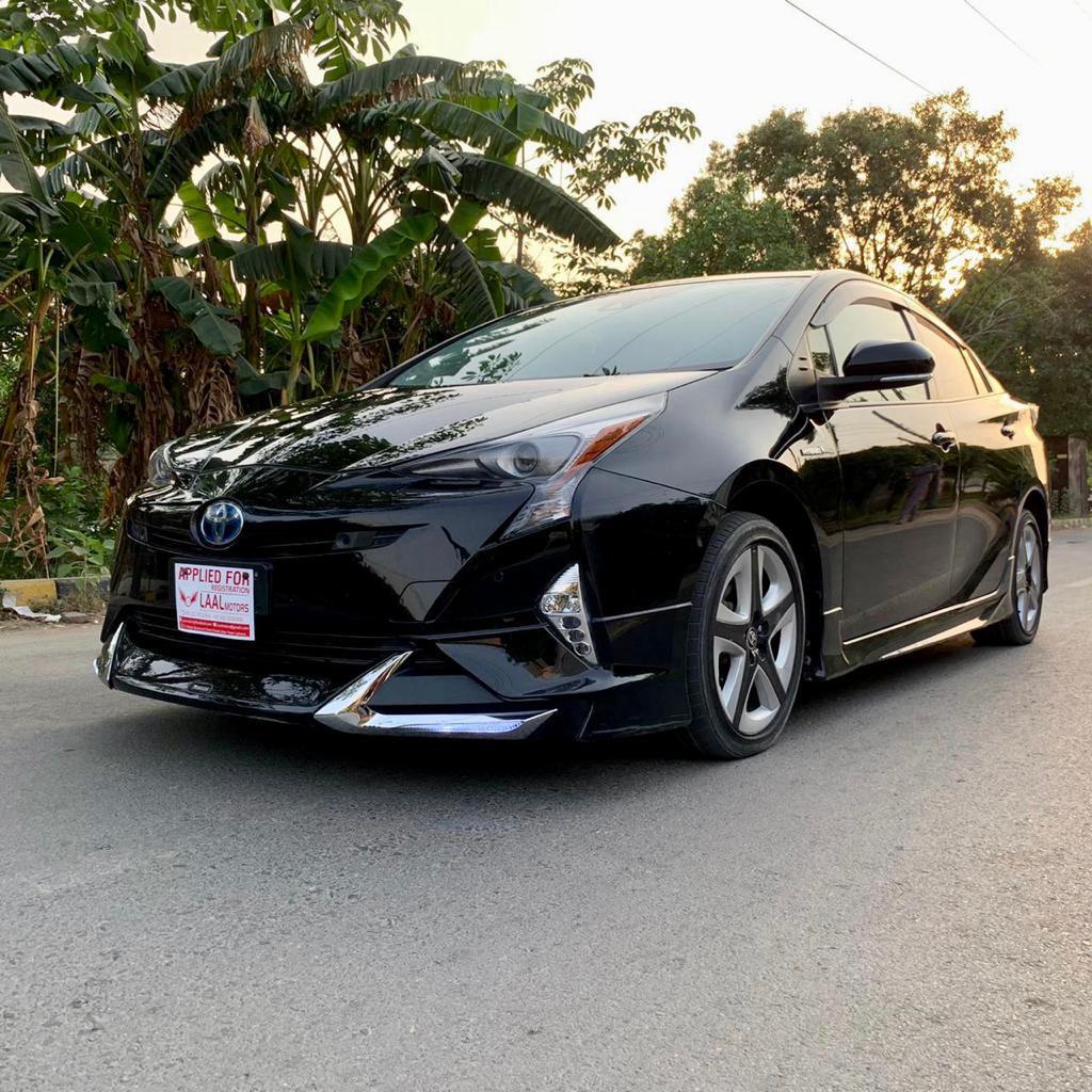 Toyota Prius A Premium Touring 2017