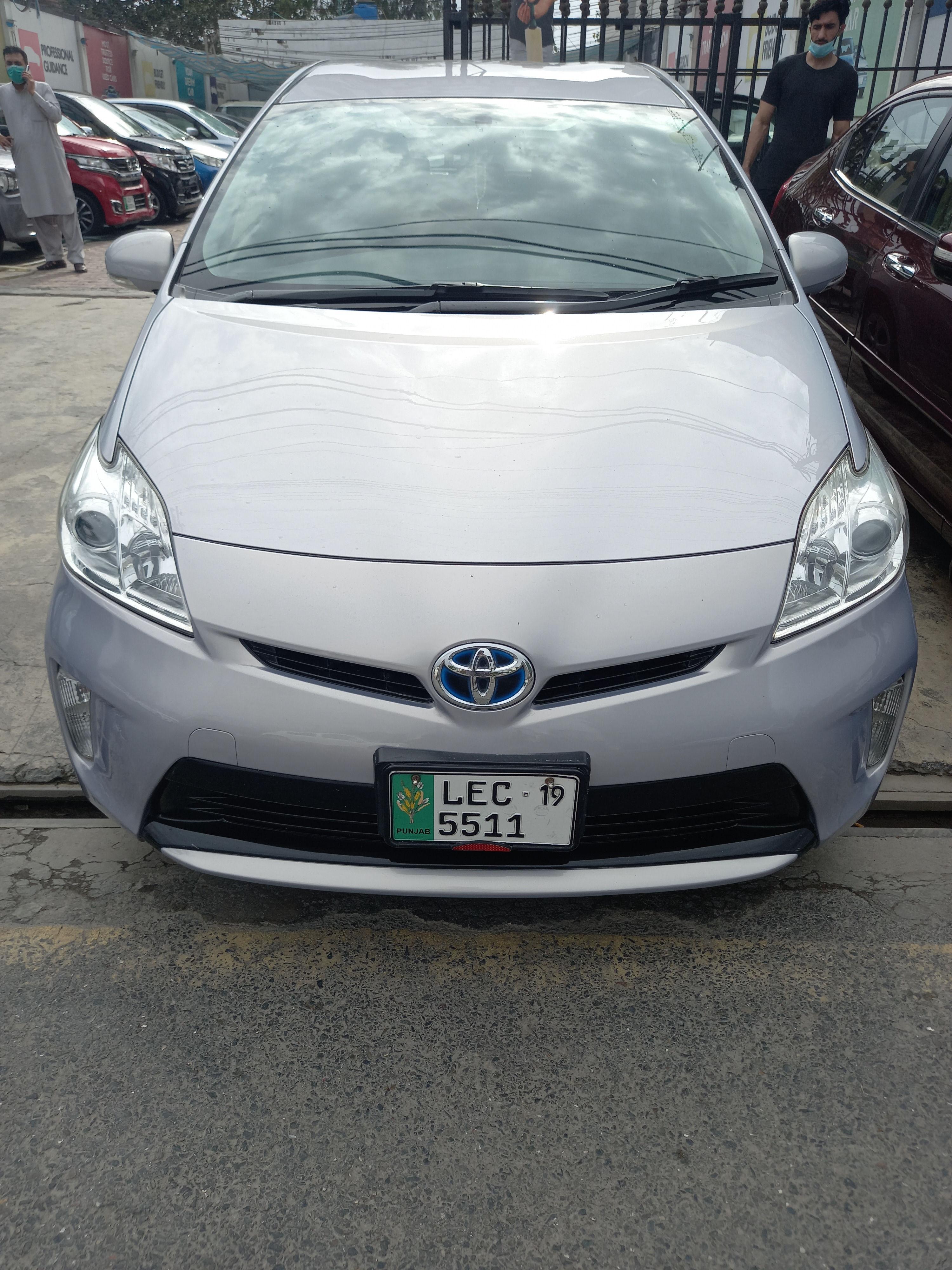 Toyota Prius L 1.8