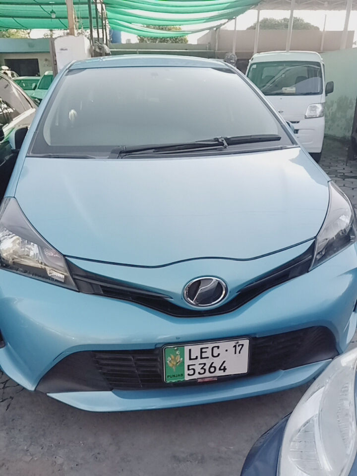 Toyota Vitz B 1.0 2014