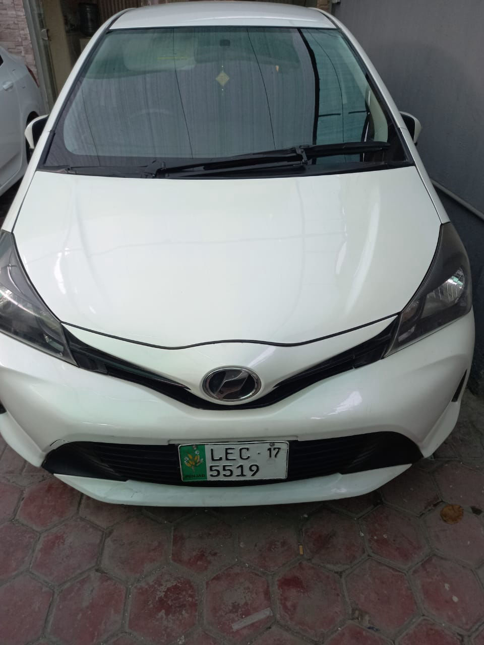 Toyota Vitz F Limited 1.0