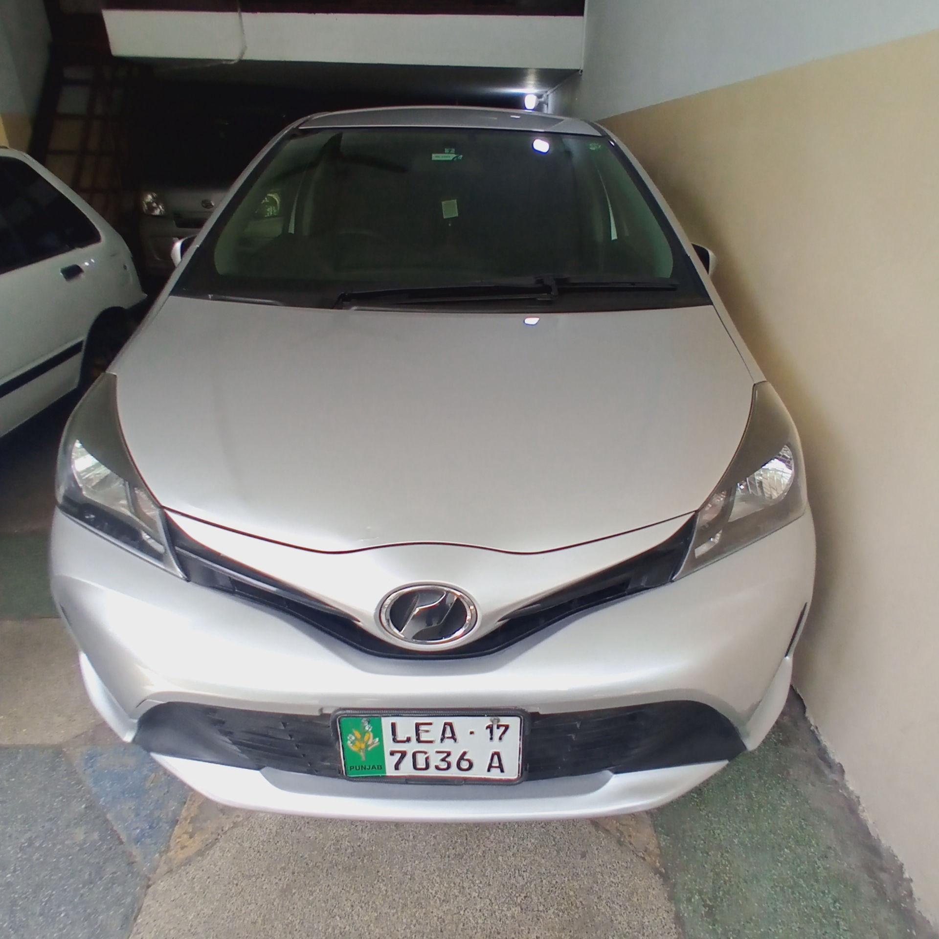 Toyota Vitz FL 1.0 2014